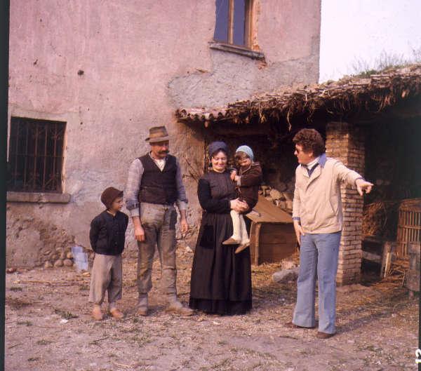 """Ermanno Olmi sul set de """"L'albero degli zoccoli"""" (1978)"""