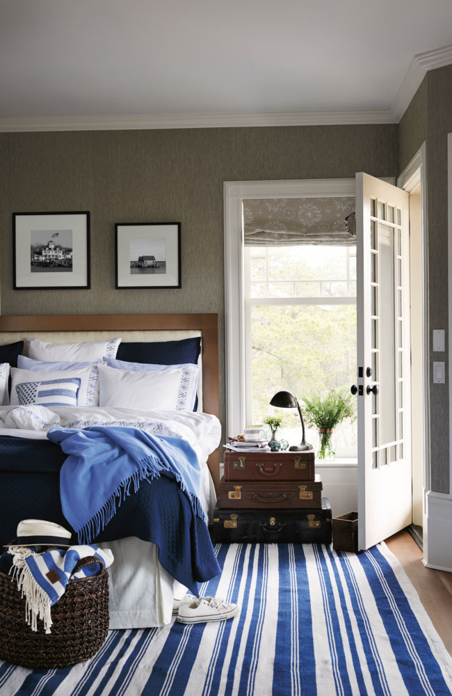 blue and white layered linens