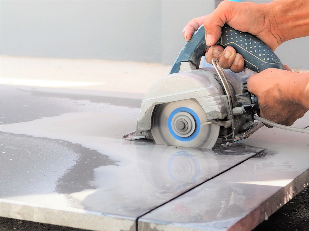 tile cutter or wet saw pros and cons when cutting porcelain ceramic and other tile materials