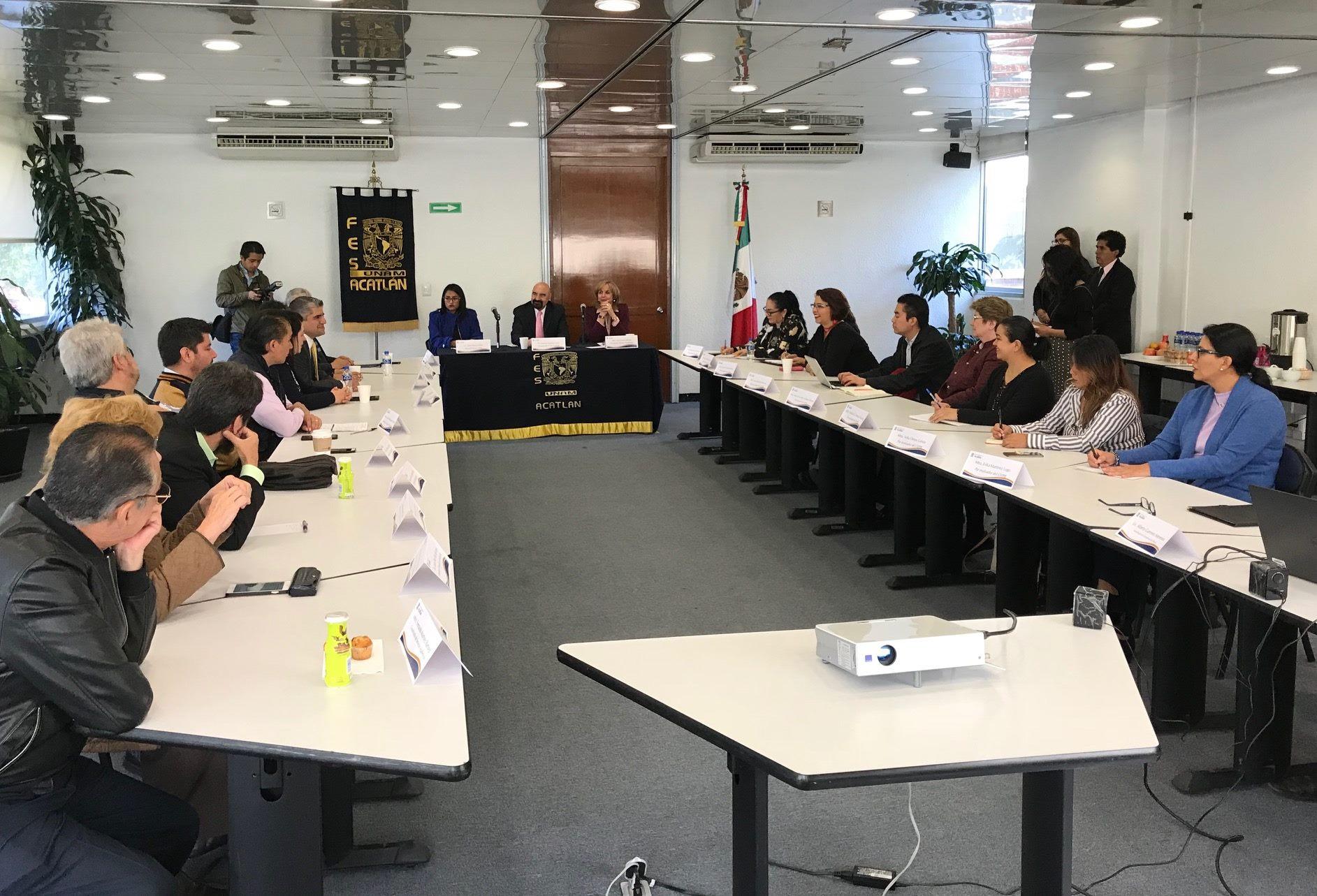 Visita de evaluación a FES Acatlán de la UNAM