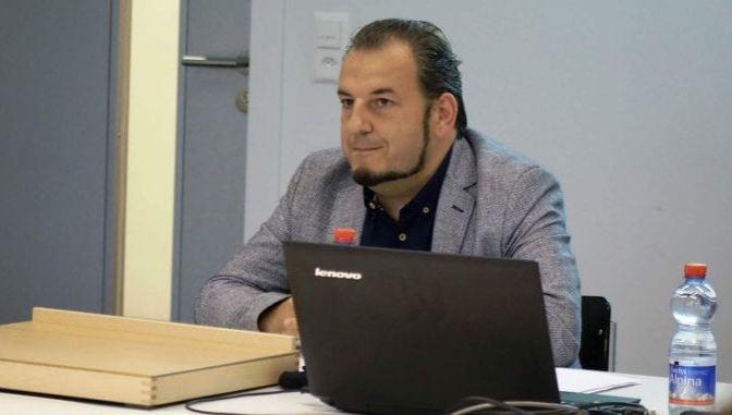 Jovanović: Ustavni sud u raljama karlšmitovskih pitanja