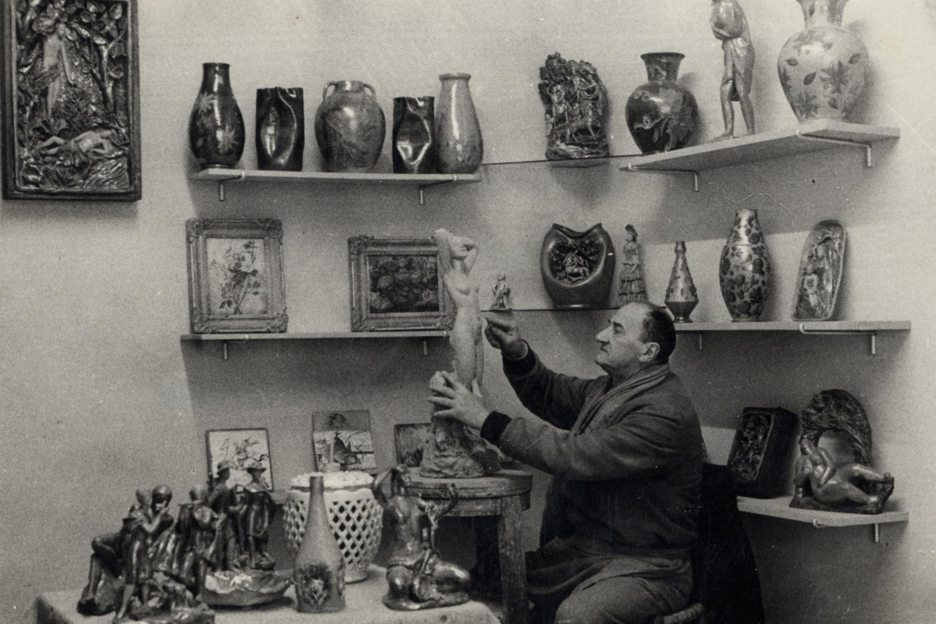Gli artisti della ceramica provengono da tutta europa. Bottega D Arte Ceramica Gatti Maiolicari In Faenza Dal 1928ceramica Gatti