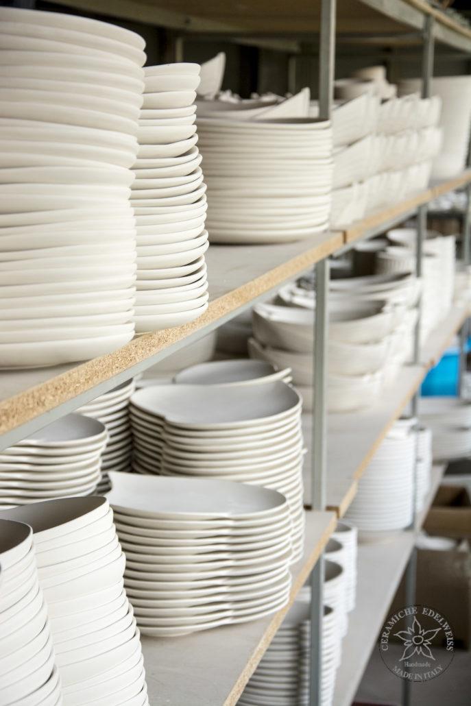 Lasciate asciugare 5/6 ore (nel caso di prodotto da cottura) e poi mettete in forno a 150 gradi (non preriscaldato) per circa mezz'ora). Ceramic Semi Finished Biscuit Ceramiche Edelweiss