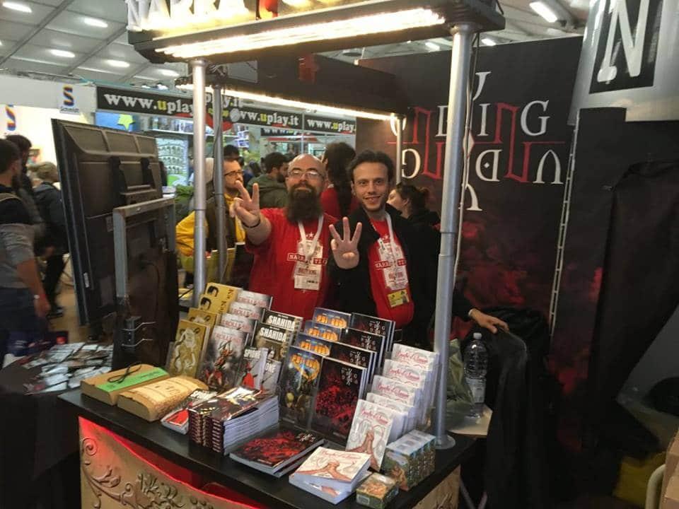 Michele Gelli (a sinistra) allo stand di Narrattiva per il Lucca Comics & Games 2018!