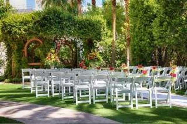 Vegas Wedding Packages includes Garden Chapel