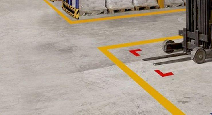 Guía de colores para la señalización de seguridad industrial de los pisos