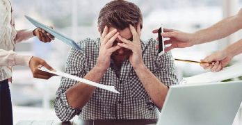 Las jornadas laborales excesivas producen todas estas enfermedades