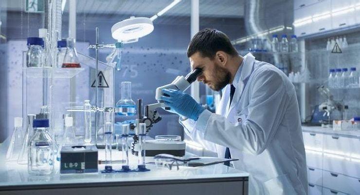 Bioseguridad en laboratorios cómo deben ser las evaluaciones de riesgo frente al COVID-19
