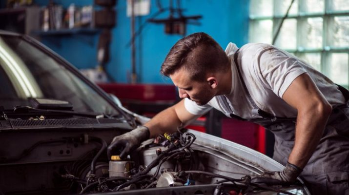 Simple Car Maintenance Tasks You Should Be Doing Yourself