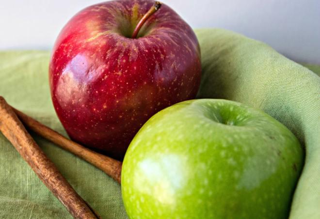 sparkling apple cider sangria