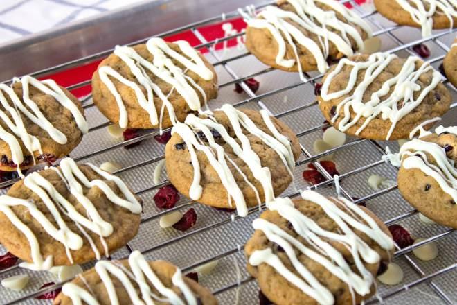 cranberry cookies with white chocolate drizzle