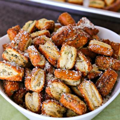 Easy Garlic Parmesan Pretzels