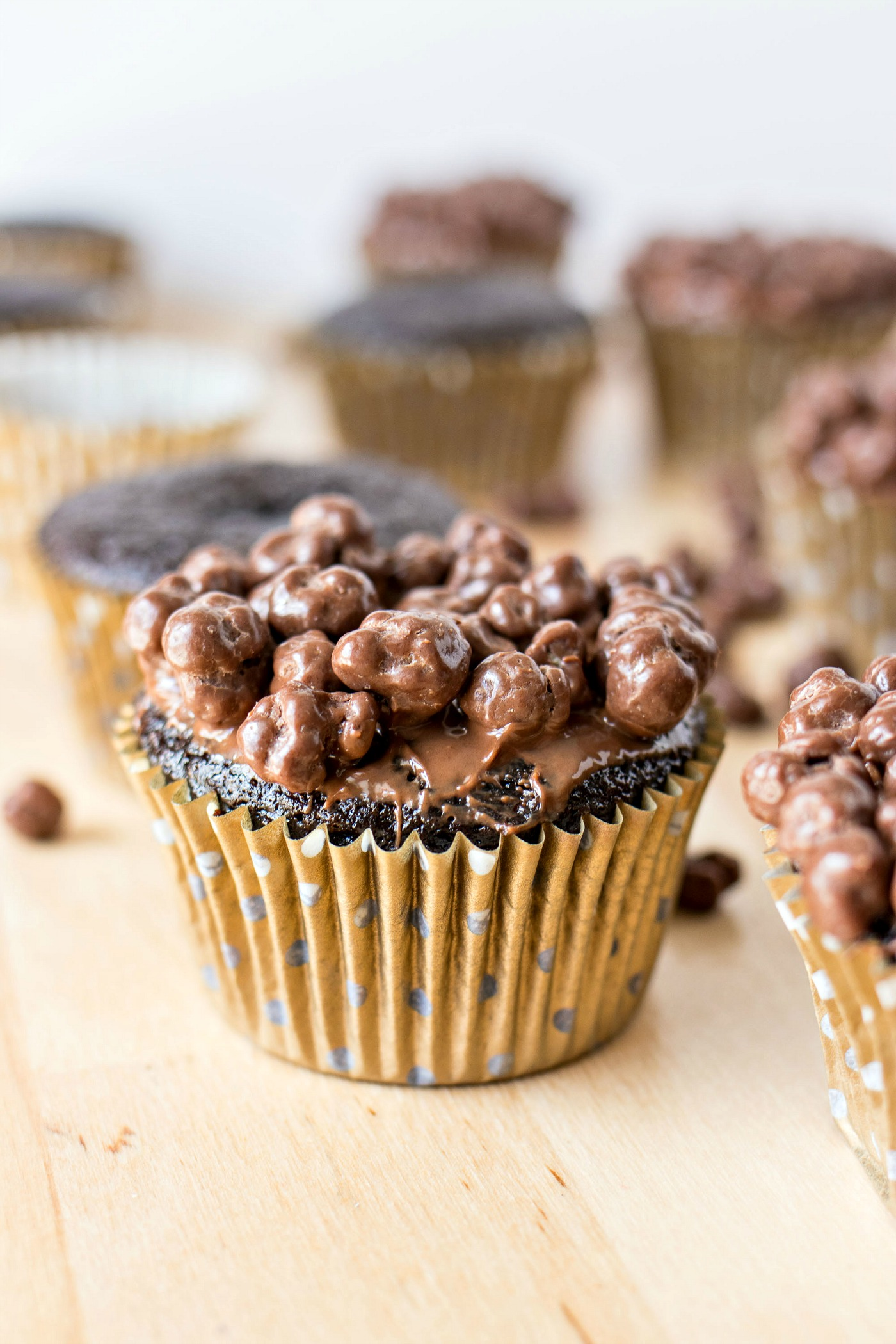 Nutella Crunch Cupcakes with nutella and crisped rice on top