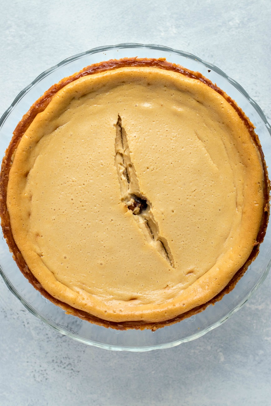 Cheesecake base in a pie pan