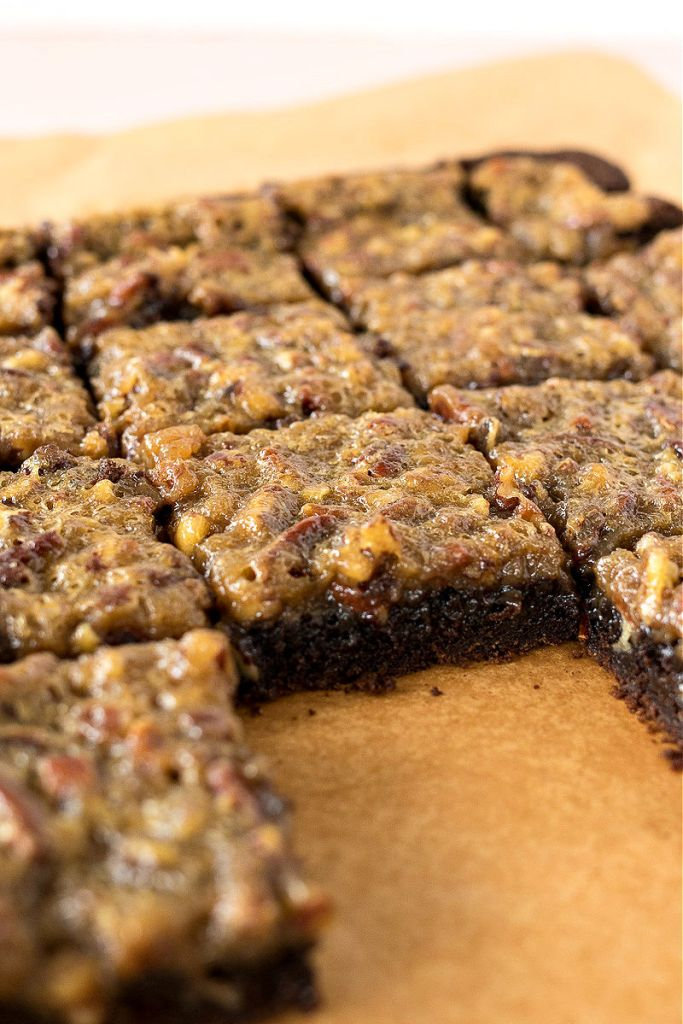 photo of sliced pecan pie brownies with one brownie removed