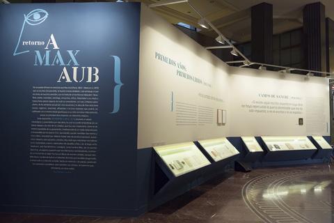 """""""Retorno a Max Aub"""" ofrece un recorrido por la vida y obra creativa del novelista, poeta, cuentista, antólogo, ensayista, crítico y hasta falso pintor."""