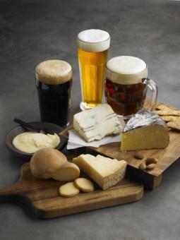 Tipos cerveza con quesos
