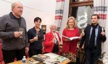 Nad knihou Krásně jsem si početl se se sektem v ruce sešli Eva Lustigová, Hana Hnátová i oba editoři