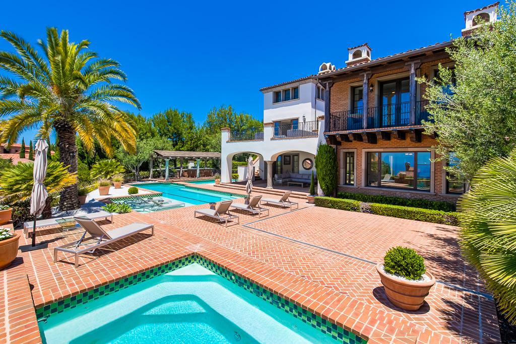 Luxury Pool Backyard