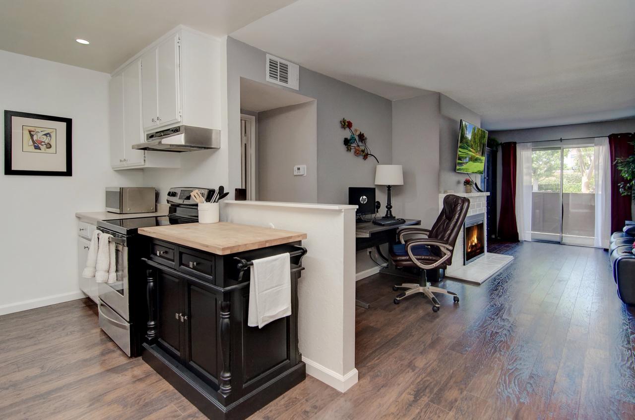 Kitchen/Living Room Tustin