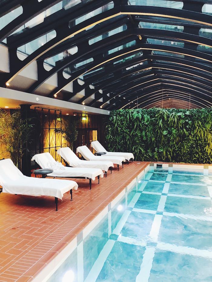 hotel telegraph pool in tallinn