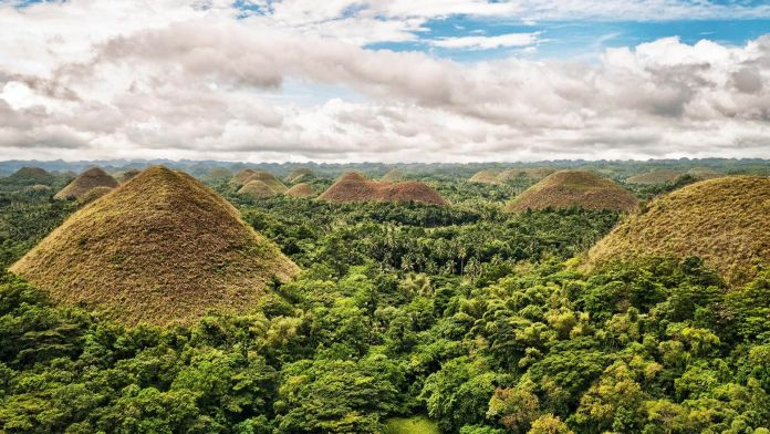 Çikolata Tepeleri, Filipinler  Asya'nın 7 Doğal Harikası   ikolata Tepeleri Filipinler