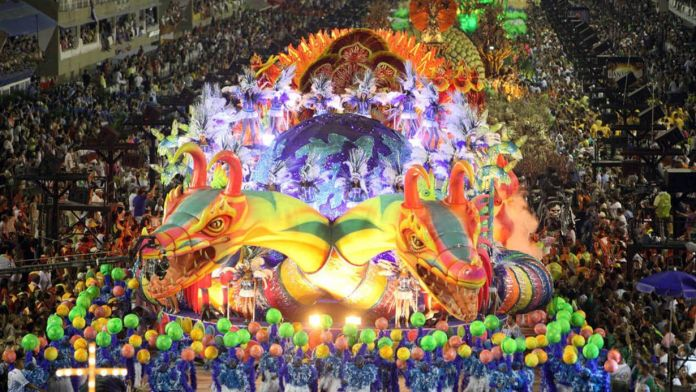 Eğlenmek İçin Gidilmesi Gereken 5 Yer Rio Carnival Brezilya