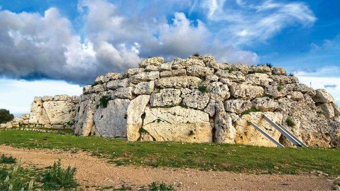 Ġgantija, Malta dünyanın en eski yerleşim yerleri Dünyanın En Eski Yerleşim Yerleri gantija Malta 678x381