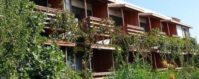 Assos Terrace Hotel -Assos evcil hayvanınızla gidebileceğiniz 10 otel Evcil Hayvanınızla Gidebileceğiniz 10 Otel Assos Terrace Hotel Assos 696x278