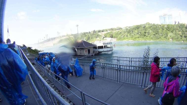 Niagara Tekne Turu Kuyruğu Niagara Şelalesi Gezi Rehberi Maid of the Mist Turu