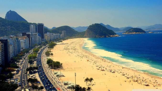 Mayıs Ayında Gidilecek Yerler Brezilya Copacabana Sahili 678x381