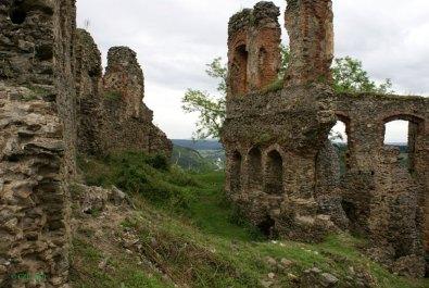 Imagini pentru cetatea soimos reconstituire