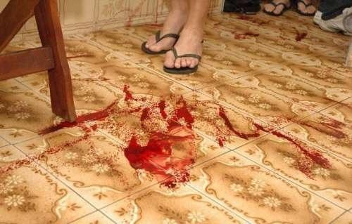 A casa que jorrava sangue! Com varizes!