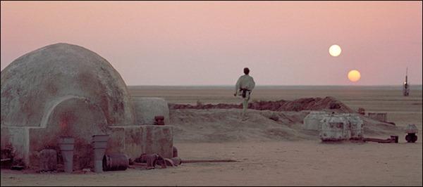 Luke-Skywalker-on-Tatooine