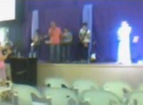 Anjo surge em Fotografia em uma Igreja de Maringá?