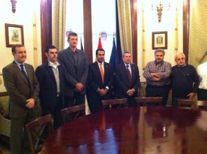 Recepción en el Ayuntamiento a los técnicos de balonmano del FC Barcelona.