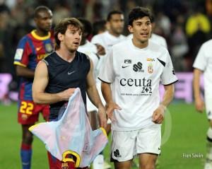 Messi y Ormazábal, al final del partido en el Camp Nou