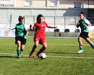Lorena Rubio completó un buen partido ante el Cáceres.