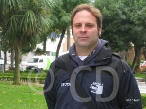 Sergio Aguilera posa para 'Ceuta Deportiva' en la Plaza de África