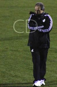 Álvaro Pérez, enfadado con el cambio de vestuario, decidió que su equipo no entrenara en el Murube.