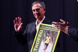 El veterano atleta Pepe Heredia recibió un cálido homenaje