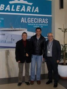 García Gaona, flanqueado por los directivos de Baleària Josep Vicent Mascarell y Ricard Pérez