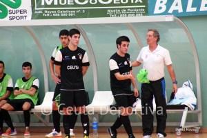 Juan Mora, de pie a la izquierda, se perderá el partido en Motril por su convocatoria con la selección española sub-18