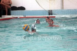 Paco Molina, al fondo, ha marcado un gol y ha sufrido tres expulsiones