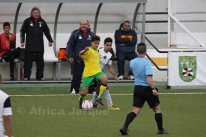 El equipo de Paco Conejo puede acercarse mucho a la permanencia si gana el aplazado en El Coronil
