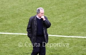 Álvaro Pérez, muy molesto con el arbitraje recibido en Coria