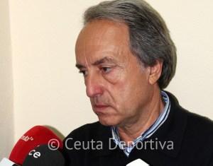 Álvaro Pérez espera vencer al Cádiz B para mantener las opciones de jugar el play off