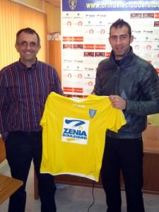 Fran Amado, junto a Antonio Felices, el día de su presentación como jugador del Orihuel CF
