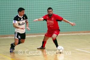 El capitán de la UA Ceutí está convencido de que el equipo caballa rendirá a mayor nivel la próxima temporada
