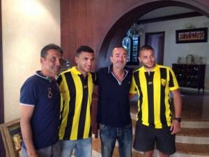 Jalid, segundo por la izquierda, con la camiseta del MAS de Fez, su nuevo equipo